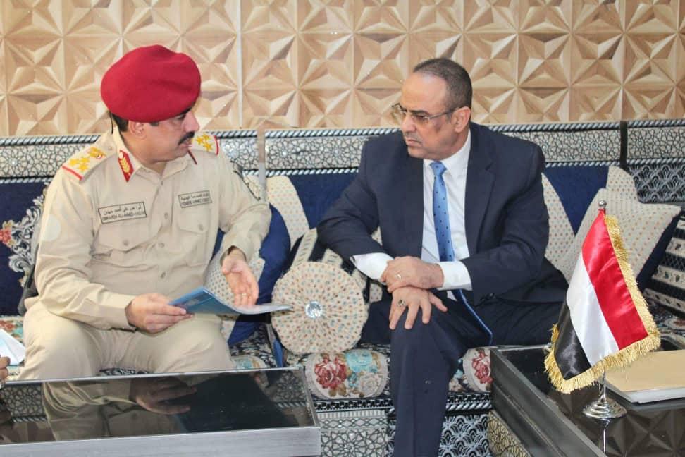الميسري يطلع على نتائج عمل لجان صرف مرتبات منتسبي وزارة الدفاع بالمنطقة العسكرية الرابعة