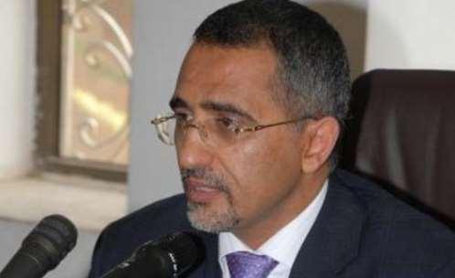 البنك المركزي اليمني يؤكد استقرار الريال اليمني ويحذر من تداول الأخبار غير الصحيحة