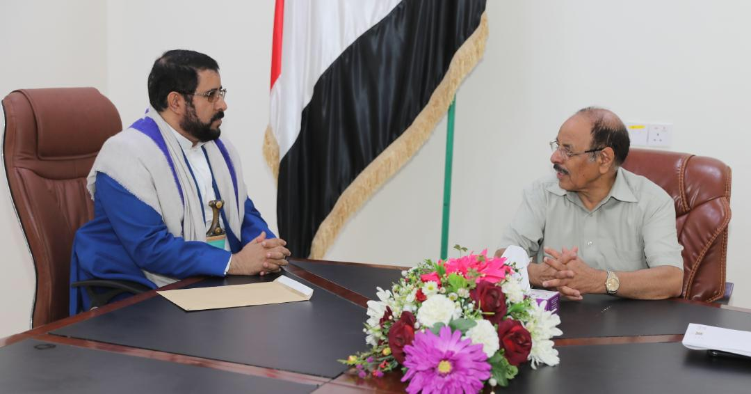 نائب رئيس الجمهورية يستمع لعدد من القضايا المرتبطة بمحافظة صعدة