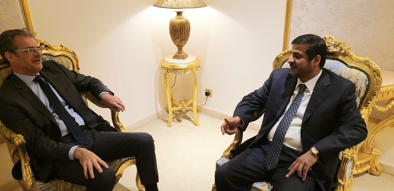مستشار رئيس الجمهورية والسفير الفرنسي يبحثان ملف الإعمار في اليمن