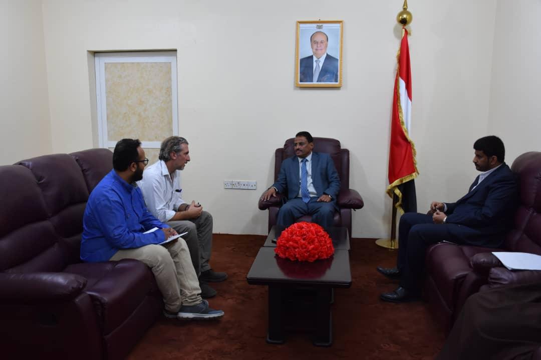 وزير النقل يؤكد دعم الحكومة لجهود وأنشطة منظمة اطباء بلاحدود