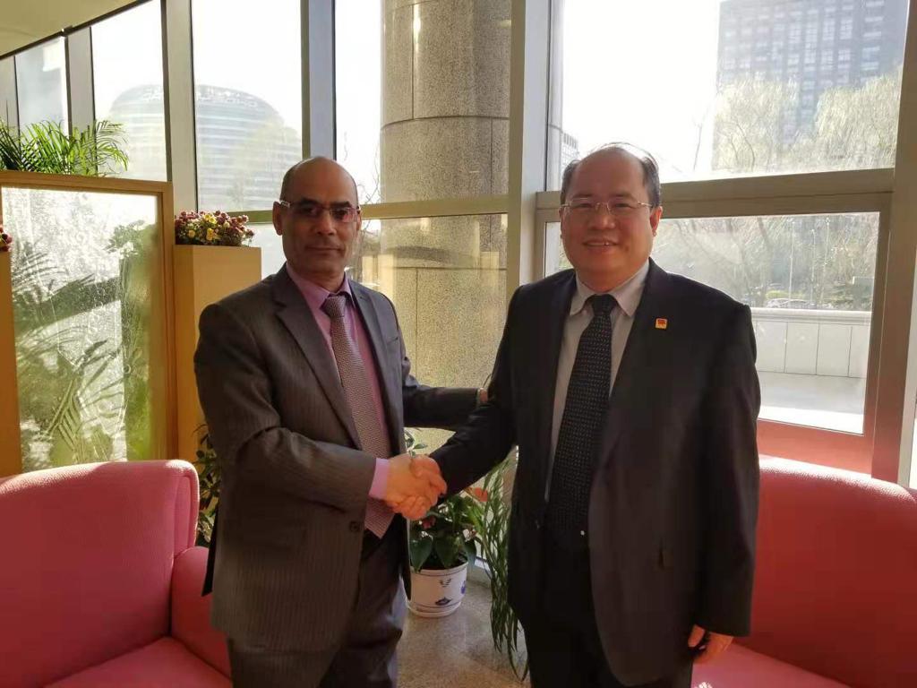سفير اليمن يلتقي نائب مدير عام غرب أسيا وشمال أفريقيا بالخارجية الصينية