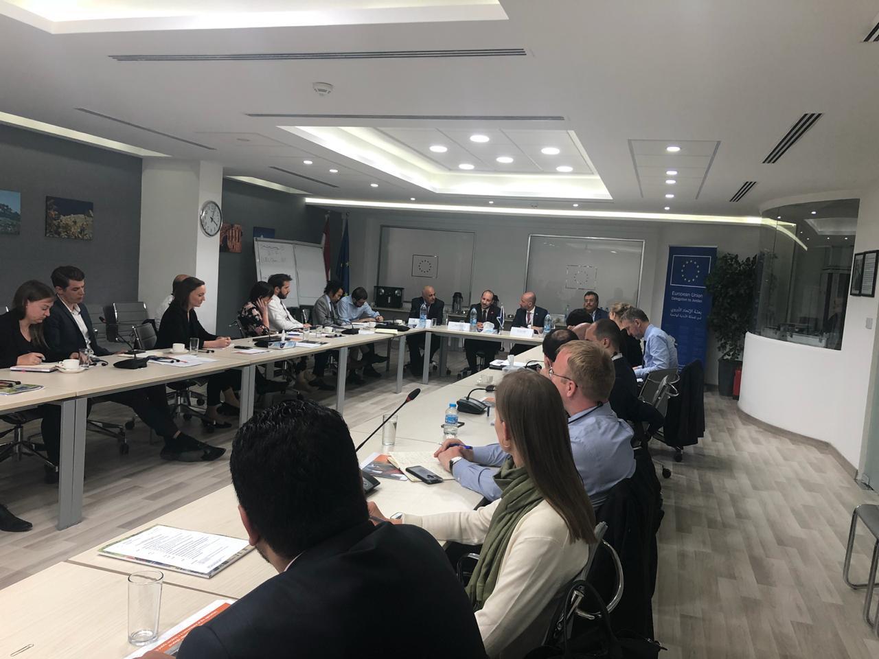 وزير التخطيط يدعو سفراء ومندوبي الاتحاد الأوروبي لتوسيع تدخلاتهم في اليمن