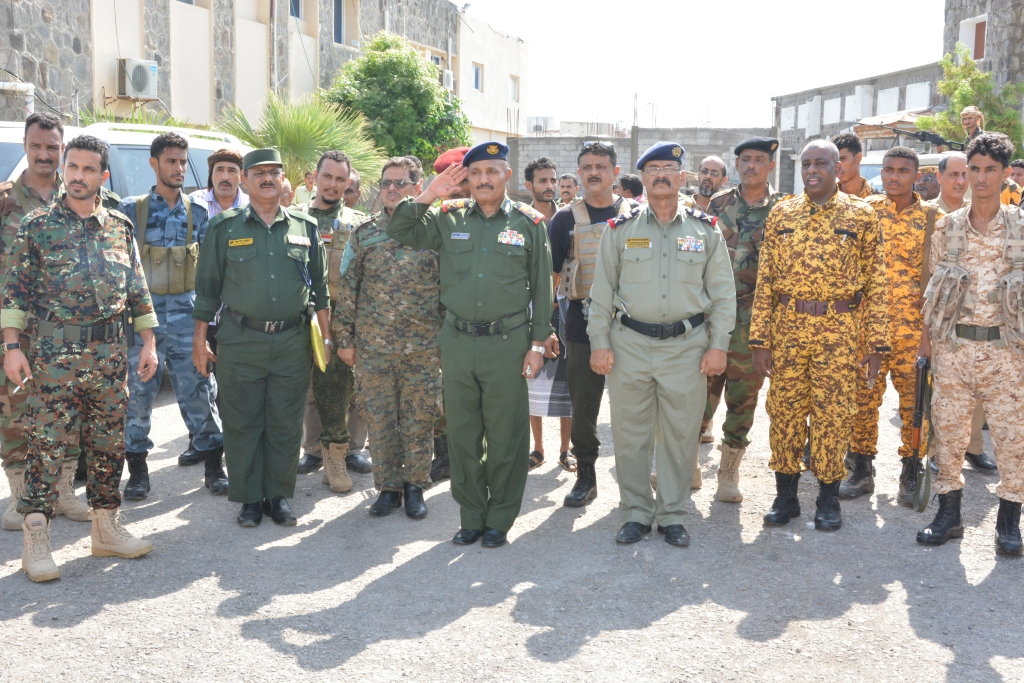وكيلا وزارة الداخلية يتفقدان سير العمل في إدارة أمن عدن