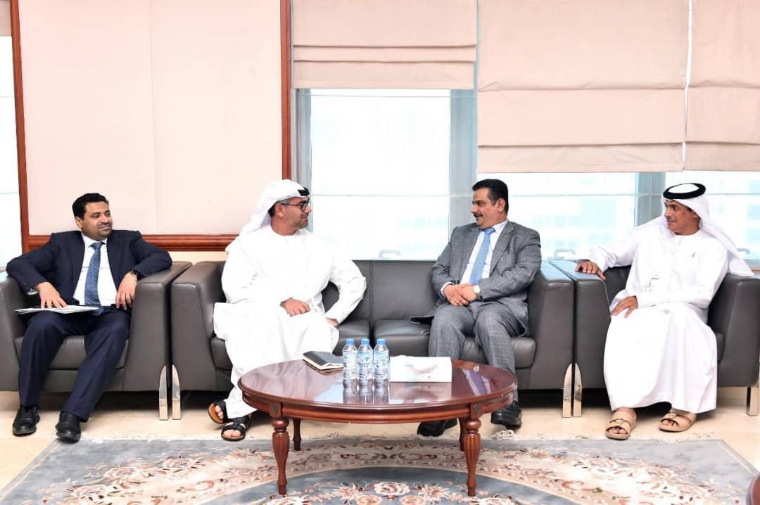 الوزير العناني يناقش مع مؤسسة ابوظبي للطاقة إمكانية الاستفادة من توليد وتوزيع الكهرباء في اليمن